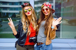 2 popular girls